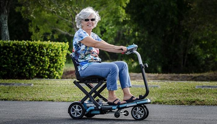 Scooter pour les seniors