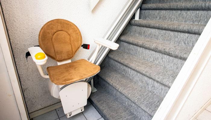 Montes escaliers pour personnes agees