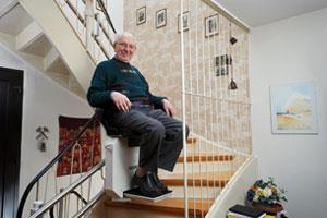 Senior avec mobilité réduite